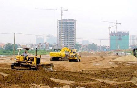 Bộ trưởng Quang thông tin, trong 9 tháng đầu năm 2015, tổng số đơn khiếu nại, tố cáo, tranh chấp đất đai nhận được là 2.615 lượt đơn, tương ứng với 1.182 vụ việc.