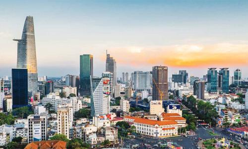 Theo VBLC, hiện nay, Luật Nhà ở đã cho phép người nước ngoài mua nhà và sở hữu nhà tại Việt Nam, nên hoàn toàn có cơ sở để chấp nhận cho nước ngoài nhận thế chấp đối với bất động sản tại Việt Nam.