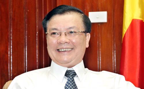 Tân Bộ trưởng Tài chính Đinh Tiến Dũng sinh ngày 10/5/1961 tại xã Ninh Giang, huyện Hoa Lư, tỉnh Ninh Bình.