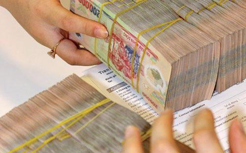 Các tổ chức tín dụng chỉ được thực hiện hoán đổi đối với nợ thuộc nhóm 5 hoặc nợ đã được xử lý bằng dự phòng rủi ro.