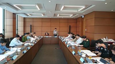 Ngày 22/10, Quốc hội họp tại tổ để cho đánh giá về việc thực hiện các nhiệm vụ phát triển kinh tế-xã hội, ngân sách Nhà nước trong những năm qua và kế hoạch thực hiện trong 5 năm tới - Ảnh: SGGP.<br>