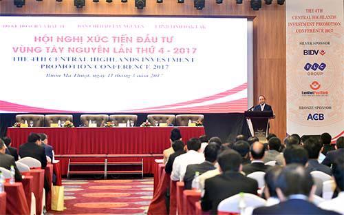 Thủ tướng Nguyễn Xuân Phúc phát biểu tại hội nghị xúc tiến đầu tư vùng Tây Nguyên lần thứ 4 ngày 11/3/2017.