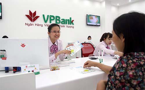Theo tìm hiểu của VnEconomy, giá bán cho 50 nhà đầu tư nước ngoài là 39.000 đồng/cổ phiếu, bằng mức giá chào sàn của VPBank trên HOSE  vào ngày 17/8 này.