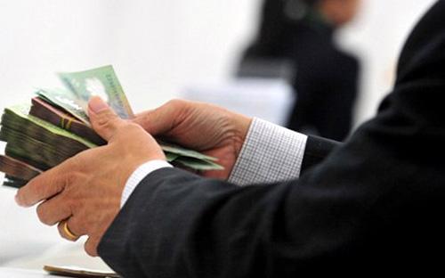 Muốn cải thiện tín dụng để giảm bớt áp lực lợi nhuận, thậm chí tránh lỗ,  ngân hàng có thể xem xét nới thêm ở phân quyền chi nhánh?