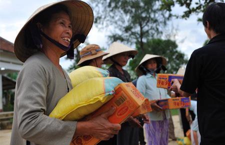 Theo các diễn giả, từ khi Việt Nam gia nhập nhóm quốc gia có thu nhập trung bình, các nguồn hỗ trợ từ thiện dành cho Việt Nam từ các tổ chức phi chính phủ quốc tế sẽ giảm dần, và do vậy cần nguồn lực mới từ khu vực doanh nghiệp.