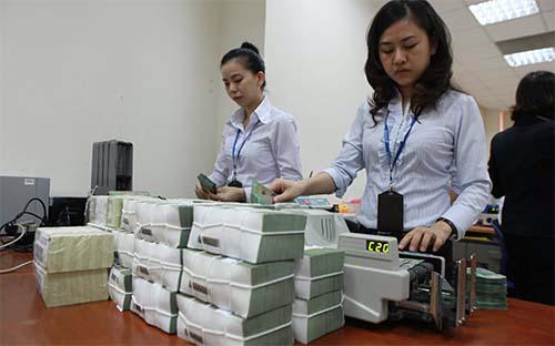 IMF khuyến nghị Việt Nam nên giảm mục tiêu tăng trưởng tín dụng xuống  còn 15%/năm, đồng thời cho rằng tỷ lệ tín dụng/GDP ở mức 80% là hợp lý.