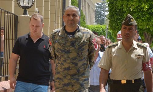 Tướng Bekir Ercan Van (giữa), chỉ huy căn cứ không quân Incirlik bị bắt giữ sau cuộc đảo chính Thổ Nhĩ Kỳ.<br>