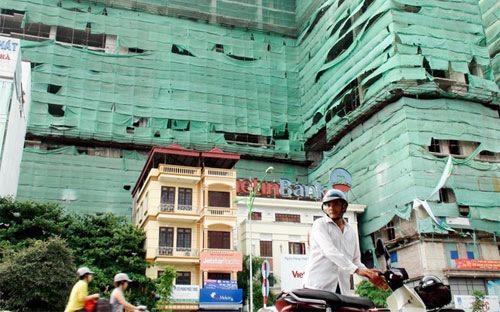 Trong khoảng ba tháng 8, 9, 10/2012, thị trường đã chứng kiến sự bán  giảm giá tỷ lệ lớn của nhiều dự án lớn về nhà ở tại Hà Nội và Tp.HCM.