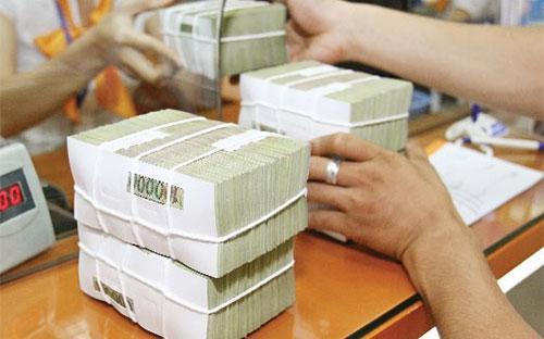 Các tổ chức tín dụng cũng đã sử dụng một phần dự phòng rủi ro để xử lý nợ xấu với 7,24 nghìn tỷ đồng, trong nửa đầu năm nay.<br>