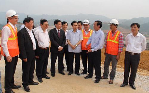 Lãnh đạo Masan Resource báo cáo tiến độ dự án với đoàn công tác của Ban kinh tế Trung ương.