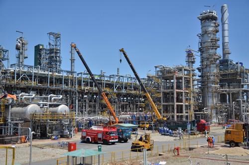 Nhiều sản phẩm của nhà máy lọc dầu Dung Quất đang gặp phải sự cạnh tranh khốc liệt của hàng nhập ngoại có ưu đãi thuế.