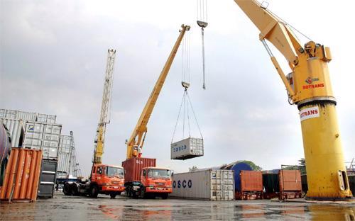 Mặc dù mới chiếm khoảng 20% GDP, nhưng khu vực FDI đã chiếm tới 2/3 tổng  kim ngạch xuất khẩu của cả nước và có mức xuất siêu lớn.
