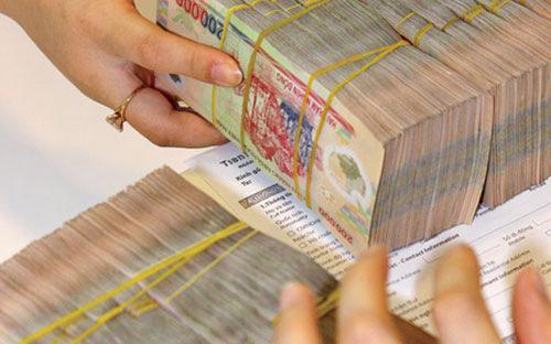 Doanh nghiệp kinh doanh dịch vụ mua bán nợ không được vay vốn của tổ  chức tín dụng, chi nhánh ngân hàng để mua nợ có nguồn gốc hình thành từ  quan hệ cấp tín dụng của các tổ chức tín dụng, chi nhánh ngân hàng nước  ngoài.