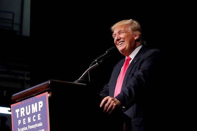 Ứng cử viên Tổng thống Mỹ Donald Trump phát biểu tại một cuộc vận động tranh cử ở Scranton, Pennsylvania ngày 27/7 - Ảnh: Reuters.<br>