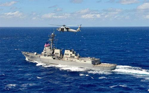 Chiến hạm USS William P. Lawrence của Mỹ - Ảnh: Getty/Bloomberg.<br>