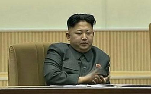 Ông Kim Jong Un tại lễ kỷ niệm hai năm ngày mất cố Lãnh đạo Kim Jong Il - Ảnh: Reuters.<br>