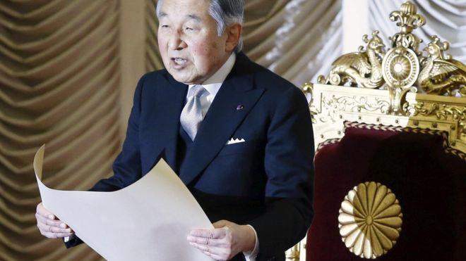 Nhật hoàng Akihito - Ảnh: Reuters/BBC.<br>