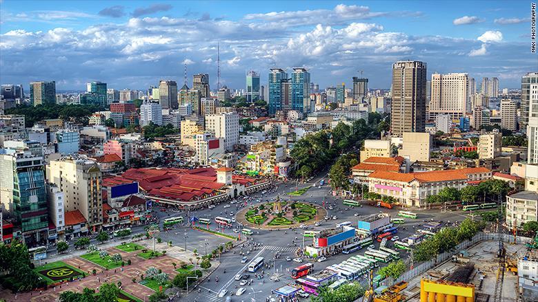 Theo báo cáo Wealth Report 2017, trong năm ngoái, Việt Nam có 200 người siêu giàu, tăng 30 người so với năm 2015 - Ảnh: Max Photography/CNN.<br>