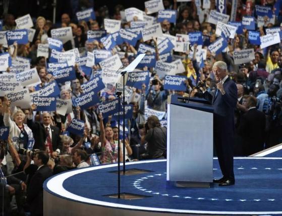 Ông Bill Clinton phát biểu tại đại hội toàn quốc Đảng Dân chủ ngày 26/7 - Ảnh: Reuters.<br>