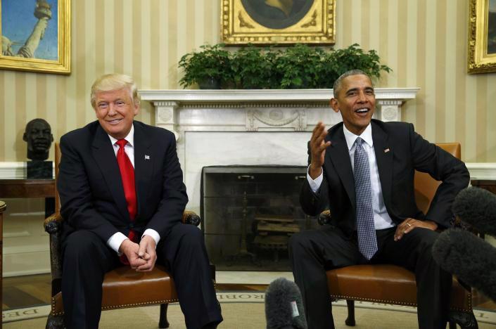 Tổng thống đắc cử của Mỹ Donald Trump (trái) và Tổng thống sắp mãn nhiệm Barack Obama trong cuộc họp báo tại Nhà Trắng sau cuộc gặp riêng ngày 10/11 - Ảnh: Reuters.<br>