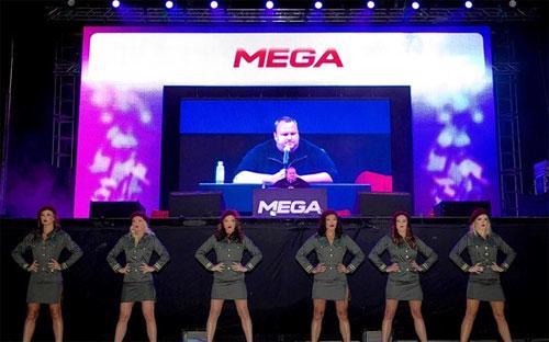 Lễ ra mắt Mega tại nhà riêng của Kim Dotcom ở Auckland, New Zealand - Ảnh: AP.<br>