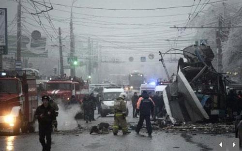 Hiện trường vụ đánh bom vừa xảy ra hôm nay (30/12) tại Volgograd, Nga - Ảnh: Reuters.<br>