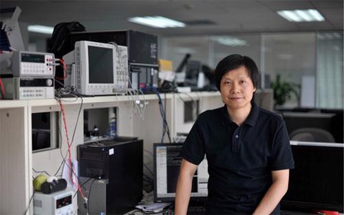 Trước khi thành lập Xiaomi, Lei Jun, 42 tuổi, là một nhà đầu tư có tiếng trong lĩnh vực Internet ở Trung Quốc từ những ngày đầu - Ảnh: Techasia.<br>