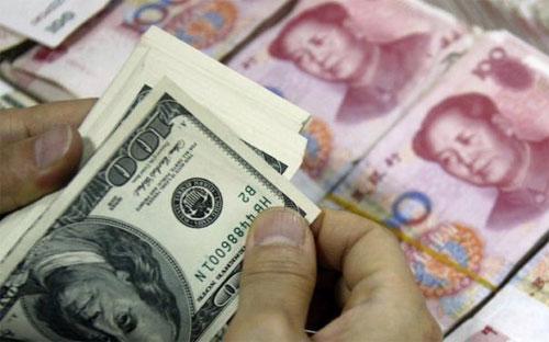 Năm 2015, dự trữ ngoại hối của Trung Quốc đã tiêu một lượng lớn dự trữ  ngoại hối để phục vụ cho việc giảm biến động tỷ giá đồng Nhân dân tệ.