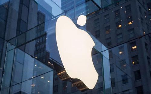Với mức giá cổ phiếu hiện tại, giá trị vốn hóa của Apple giảm còn 494,7  tỷ USD, chỉ còn cao hơn khoảng 300 triệu USD so với mức vốn hóa của  Alphabet - Ảnh: Getty/Financial Times.<br>