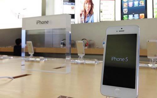 Sự đi xuống của cổ phiếu hãng công nghệ Apple đã khiến hình ảnh  của công ty và độ nóng của dòng điện thoại iPhone bị tác động.