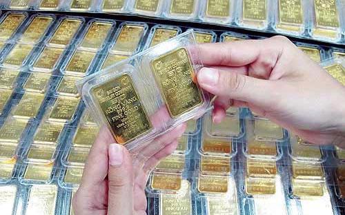 Ngân hàng Nhà nước cho biết, từ ngày 28/3 đến nay, cơ quan này đã tổ  chức 23 phiên đấu thầu bán vàng miếng với tổng khối lượng trúng thầu là  580.400 lượng.