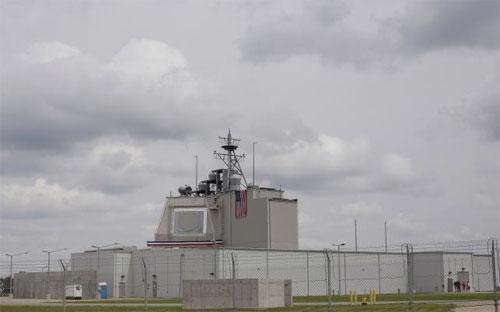 Trung tâm chỉ huy lá chắn tên lửa mà Mỹ triển khai ở Romania ngày 12/5 - Ảnh: Reuters.<br>