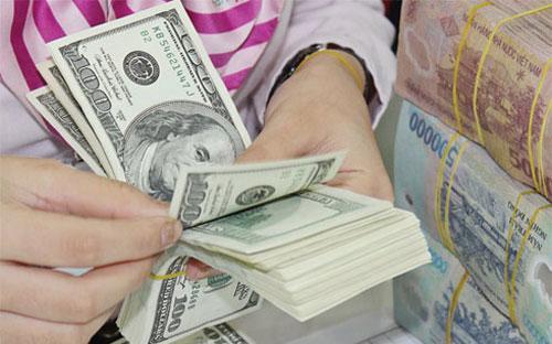 Từ đầu tuần tới nay, giá USD tự do và ngân hàng ồ ạt lao dốc.