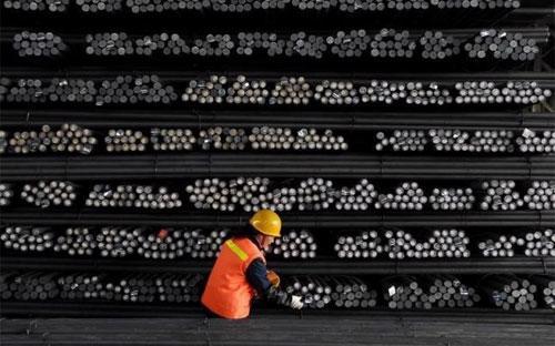 Bắc Kinh đã tuyên bố sẽ cắt giảm công suất ngành thép trong nước từ 100-150 triệu tấn mỗi năm - Ảnh: Reuters.<br>