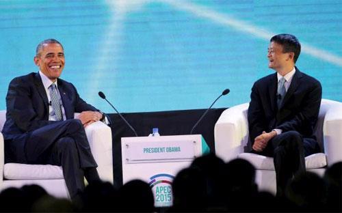 Tổng thống Mỹ Barack Obama (trái) và Chủ tịch tập đoàn Alibaba Jack Ma trong buổi nói chuyện ở Manila, Philippines ngày 18/11 - Ảnh: Reuters.<br>