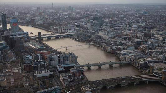Thủ đô London của Anh nhìn từ cao ốc Shard lúc hoàng hôn ngày 28/3 - Ảnh: Getty/CNBC.<br>