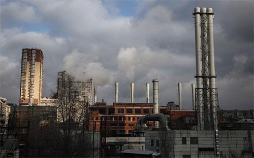 Một nhà máy cấp nhiệt ở Kiev, Ukraine ngày 25/11 - Ảnh: EPA/WP.<br>
