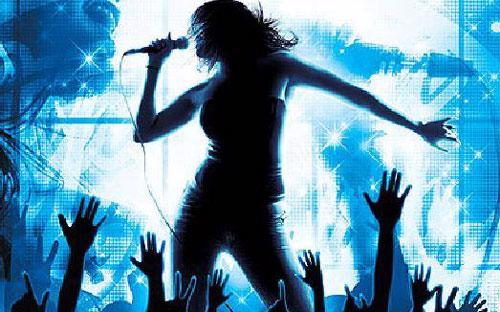 """Nhiều người cho rằng, nghề ca sỹ đang """"hot"""" nhất hiện nay.<br>"""