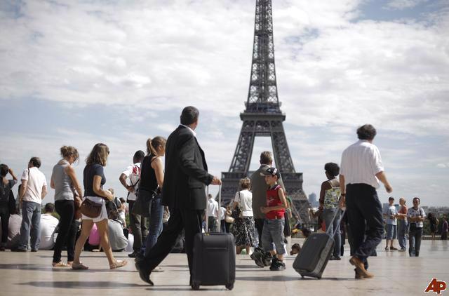 Nền kinh tế Pháp có mức độ phụ thuộc lớn vào du lịch, lĩnh vực đóng góp  hơn 7% tổng sản phẩm quốc nội (GDP) hàng năm của nước này.