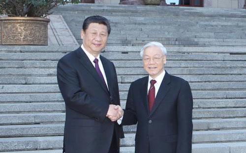 Tổng bí thư, Chủ tịch nước Trung Quốc Tập Cận Bình đón tiếp Tổng bí thư  Nguyễn Phú Trọng trong chuyến thăm Trung Quốc của Tổng bí thư, tháng  4/2015 - Ảnh: TTXVN.<br>