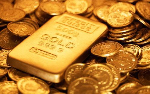 Việc đồng USD mạnh và Cục Dự trữ Liên bang Mỹ (FED) tiến dần tới tăng  lãi suất sẽ đẩy giá vàng giảm sâu hơn - Goldman Sachs dự báo.