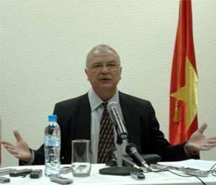 """""""Chính phủ Hoa Kỳ vẫn tiếp tục mong muốn được mở rộng, cũng như làm sâu sắc hơn quan hệ giữa Mỹ và Việt Nam trên mọi lĩnh vực""""."""