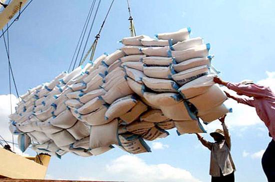 Theo Reuters, nhu cầu mua gạo trên thị trường thế giới hiện ở mức thấp do hầu hết các nước nhập gạo đều còn dự trữ nhiều.