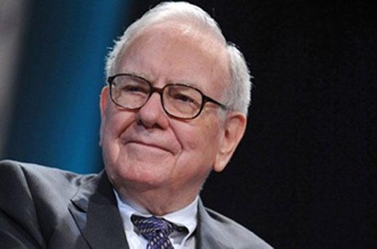 Buffett nổi tiếng là tỷ phú có lối sống giản dị, khiêm nhường và đã hứa dành hầu hết tài sản cho sự nghiệp từ thiện.