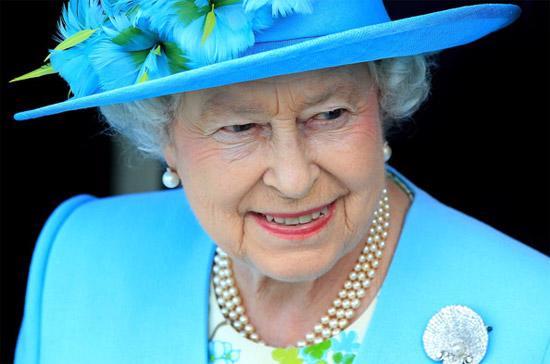 Nữ hoàng Elizabeth đệ nhị của Anh được biết đến với tư cách là một trong những phụ nữ giàu có nhất thế giới nhờ sở hữu một một sưu tập vô giá các tác phẩm nghệ thuật, nữ trang và bất động sản.