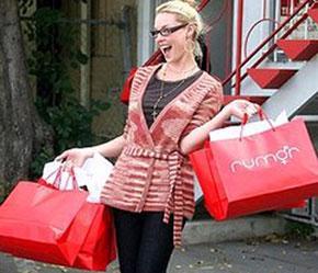 Những chiếc túi mua hàng thế hệ mới đang dần xuất hiện trên thị trường với diện mạo mới, sang trọng hơn.