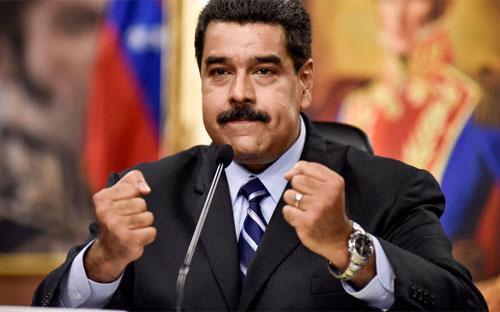 Tổng thống Venezuela Nicolas Maduro phát biểu trong một cuộc họp báo ngày 17/5 ở Caracas - Ảnh: Bloomberg.<br>