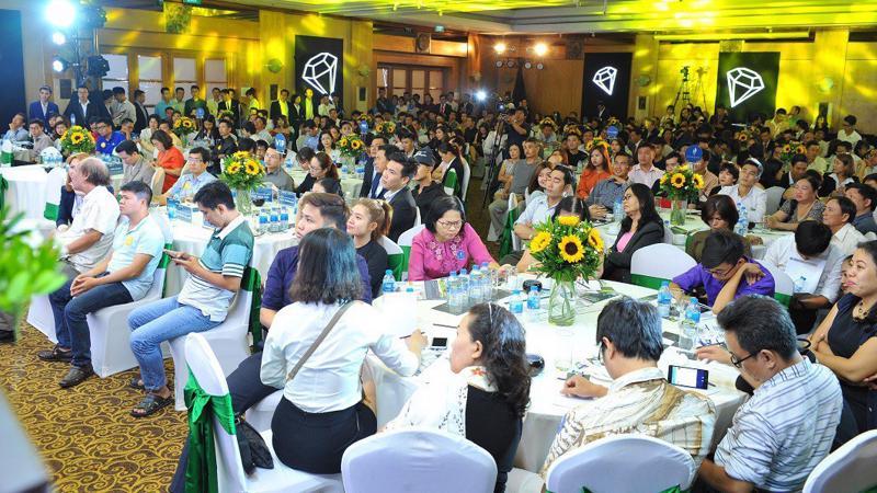 Sự kiện mở bán The Coastal Hill diễn ra tại khách sạn New World Sài Gòn đã thu hút hơn 500 khách hàng, nhà đầu tư tại Tp.HCM và các tỉnh lân cận tham dự.