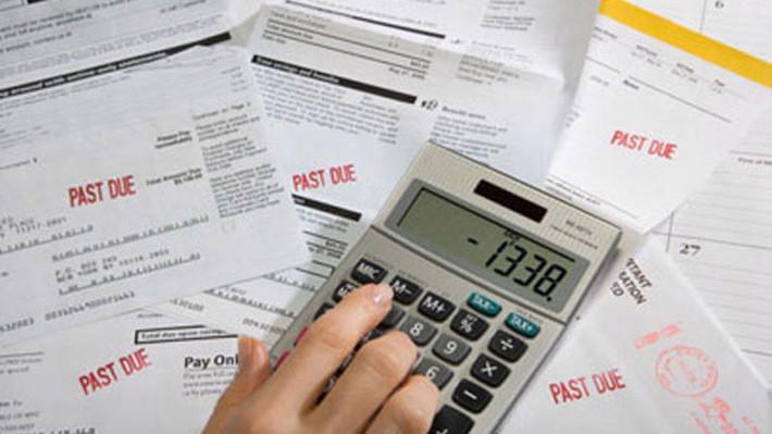 Những hoạt động kinh tế hợp pháp nhưng bị giấu diếm có chủ ý, nhằm tránh phải nộp thuế (thuế thu nhập, thuế VAT), tránh đóng bảo hiểm xã hội, tránh thực hiện các quy định của Nhà nước...được xem là kinh tế ngầm.