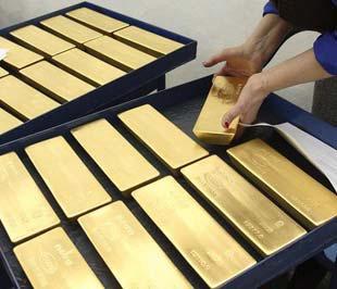 Tuần trước là tuần ít biến động của giá vàng, với giá vàng kỳ hạn tăng 0,2%, giá vàng giao ngay tăng 1,3%, giá vàng trong nước hầu như không thay đổi - Ảnh: Reuters.
